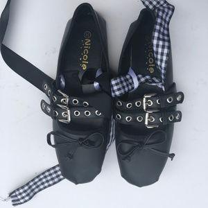 Nicole 8 Flats Round Toe Strap Bow Black